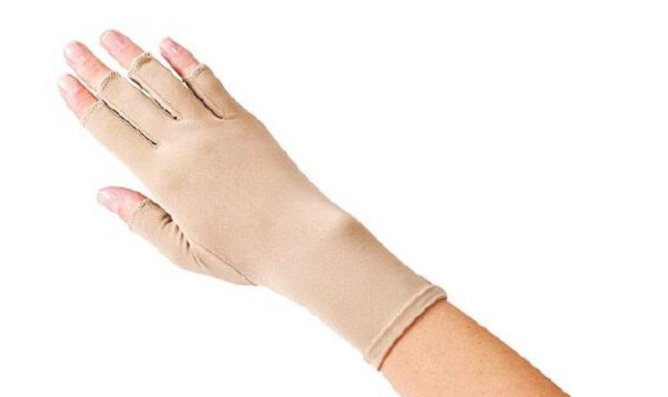 5 Best Compression Gloves for Carpal Tunnel and Rheumatoid Arthritis