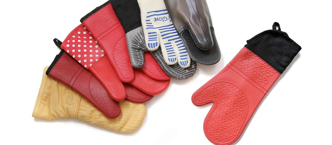 The 5 Best Oven Mitts of 2020 from Silicone to Cloth and More!