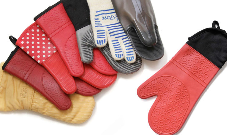 The 5 Best Oven Mitts from Silicone to Cloth and More!