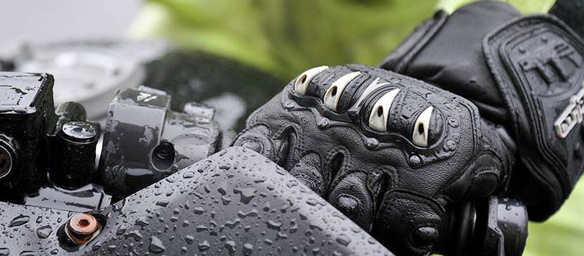 Best Heated Gloves of 2020 – For Motorcycle, Ski and More!