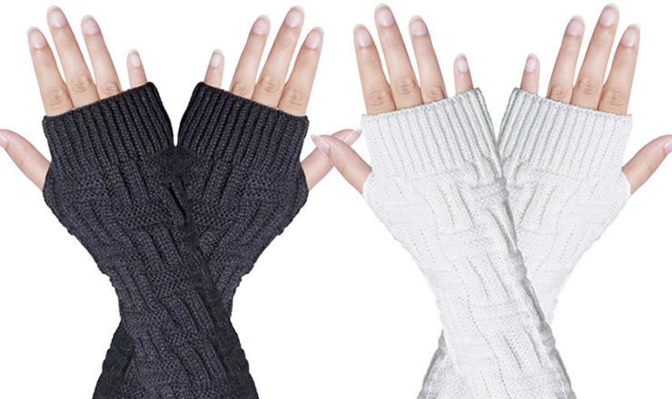Best Wrist Warmers for Style, Warmth and Comfort!