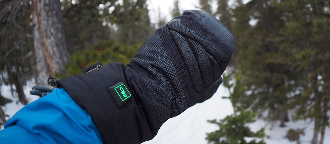 Best Heated Mittens for Men and Women to Keep Warm in 2021!