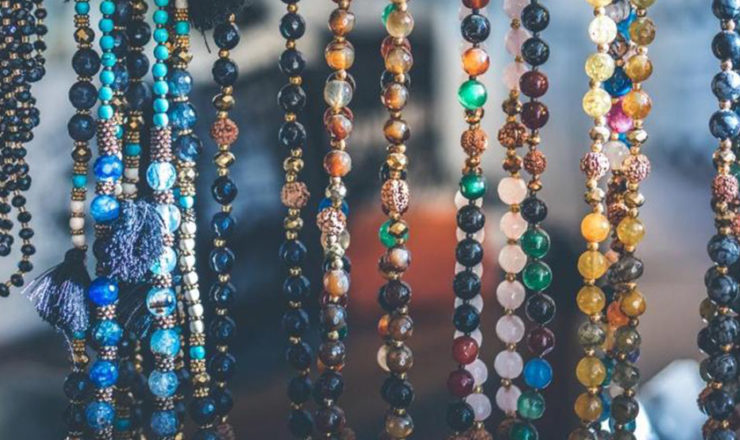 Best EMF Protection Jewelry (Crystals, Pendants, Necklace & Bracelets) – A Guide for 2021 !